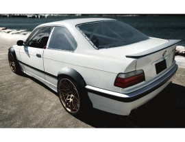 BMW E36 S2 Radlaufverbreiterungssatz