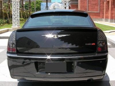 Chrysler 300C SRT-Line Heckflugel