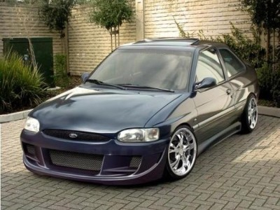 Ford Escort MK7 GT Body Kit