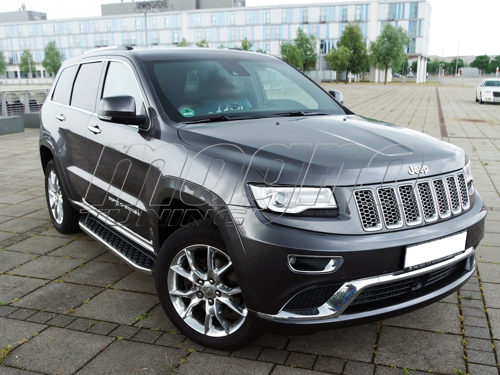 jeep grand cherokee wk2 helios trittbretter. Black Bedroom Furniture Sets. Home Design Ideas