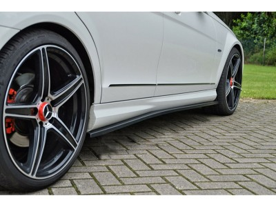 Mercedes C-Class W204 Iris Side Skirts