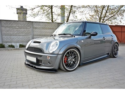 Mini Cooper R53 JCW Matrix Side Skirt Extensions