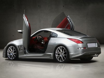 Nissan 350Z Aggressive Front Wheel Arches