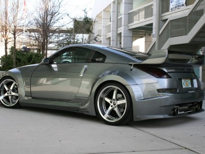 Nissan 350Z Hawk Wide Rear Wheel Arch Extensions