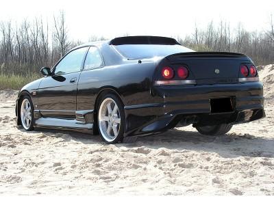 Nissan Skyline R33 GTS J-Style Seitenschwellern