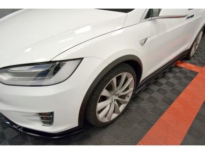 Tesla Model X Matrix Side Skirt Extensions