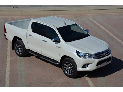 Toyota Hilux MK8 Helios Trittbretter