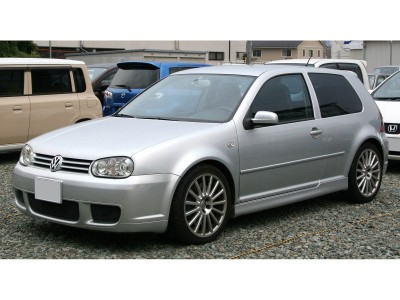 VW Golf 4 Bara Fata R32-Look