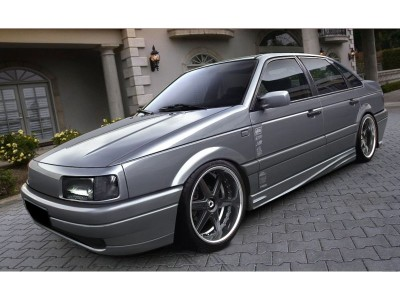 VW Passat 35i Power Side Skirts